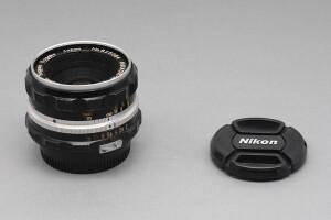 50mm F.2 Nikkor-H modello serie F (godronato)