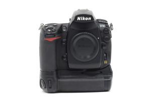 Nikon D700 + MB-D10  scatti 86.300