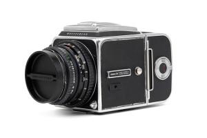 (Italiano) Hasselblad 500C/M Cromata 80mm C T* e A12