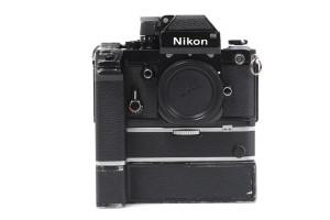 Nikon F2 nera Photomic DP-1 con motore MD-2 e MB-1