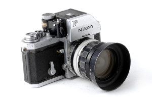 (Italiano) Nikon F FTn Vietnam War  marchiata E-P 1971
