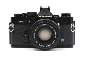 Olympus OM-2n Nera/Black con 50/1,8