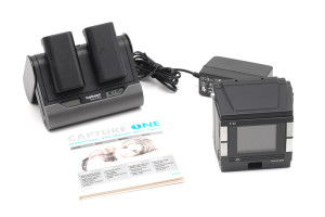 Phase One P25 Digital Back per Hasselblad V (22 megapixel sensors)