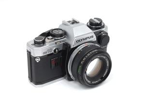 Olympus OM-10 con 50/1,8 con Manual Adapter